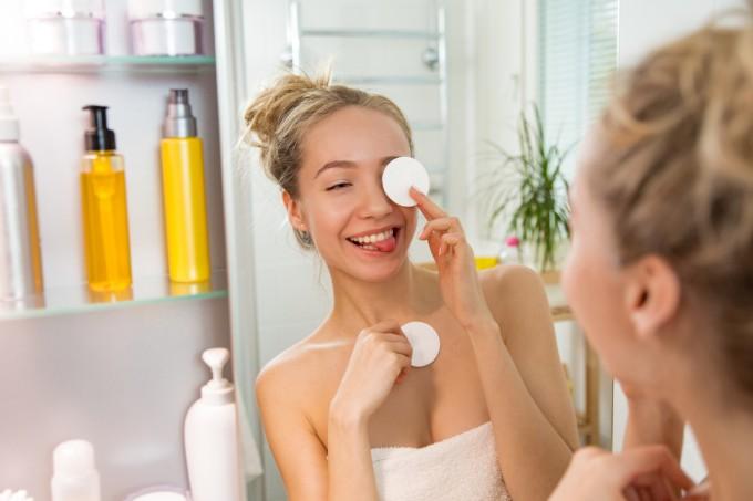 remover-maquiagem-olhos