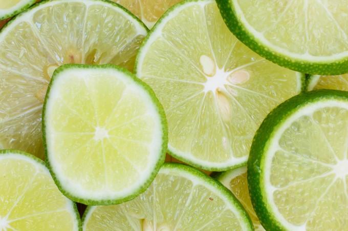 Limão ajuda a queimar gordurinhas