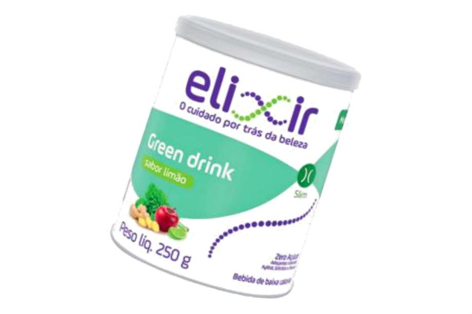 """Mix de espinafre, gengibre, couve, berinjela e limão, o Green Drink Elixir (nova marca do Mundo Verde) reúne 6g de fibras e só 11 calorias em 1 colher de sopa do pó – medida para o preparo de 1 copo de 200 ml (R$ 66, a lata de 250 g). Adoçado com xilitol, eritritol e estévia, os chamados """"açúcares inteligentes"""". *<i>Preço pesquisado em maio de 2017</i><b> </b>"""