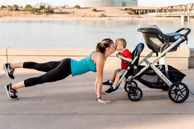 Kristy-Ardo-mamãe-fit