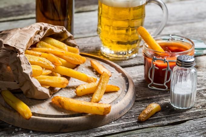 cerveja-e-batata-frita-bebidas-alcoolicas
