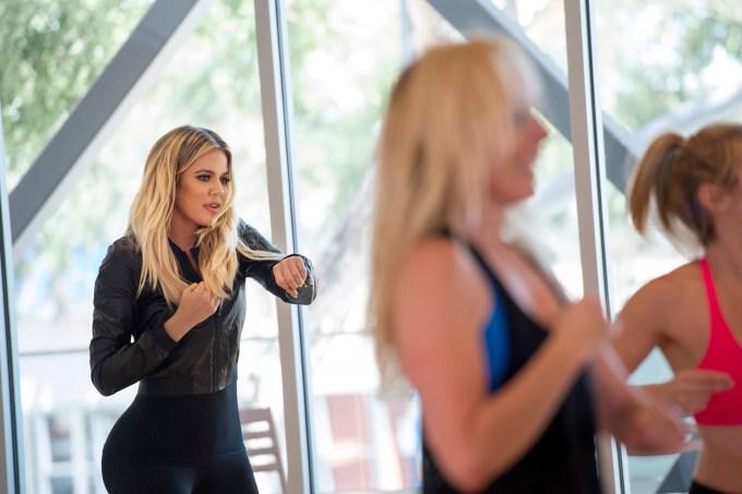khloe-kardashian-gravacao-revenge-body-with-khloe