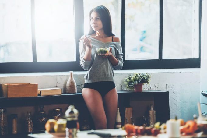 Mulher-comendo