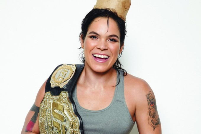 Amanda-Leoa-UFC-cinturao