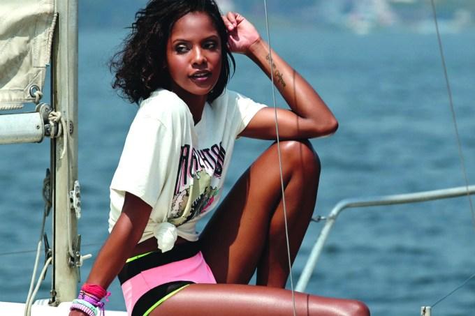modelo no barco