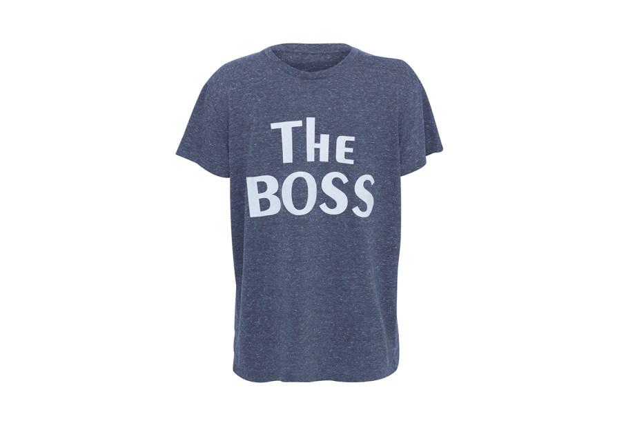 "Camiseta, Pop Up Store, R$119 (<a href=""http://www.popupstore.com.br"" target=""_blank"" rel=""noopener noreferrer"">www.popupstore.com.br</a>)"