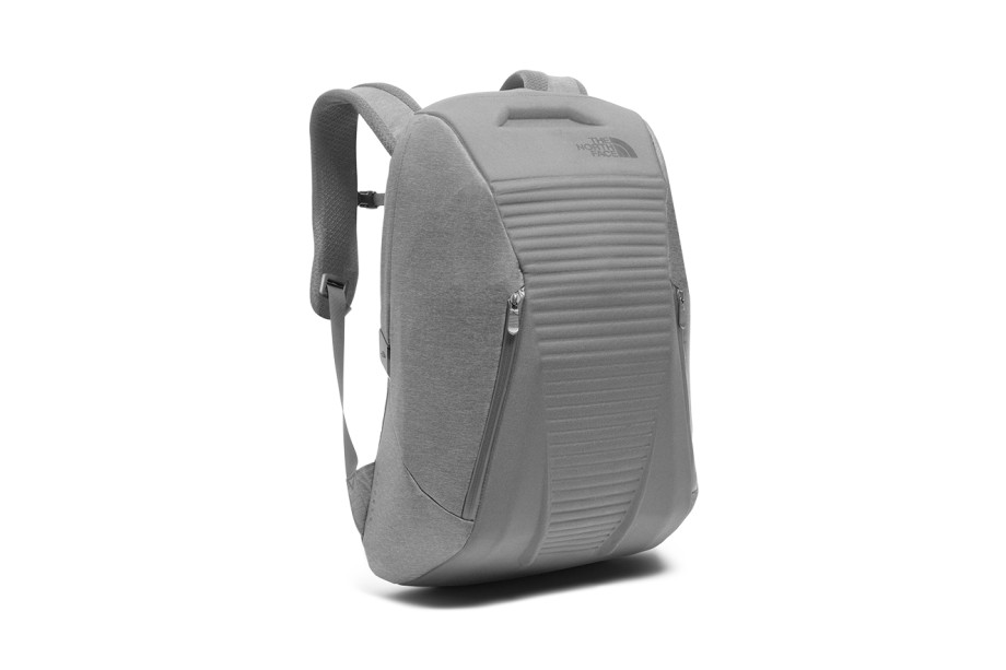 """Mochila, The North Face, R$1490 (<a href=""""http://www.thenorthface.com.br"""" target=""""_blank"""" rel=""""noopener noreferrer"""">www.thenorthface.com.br</a>)"""