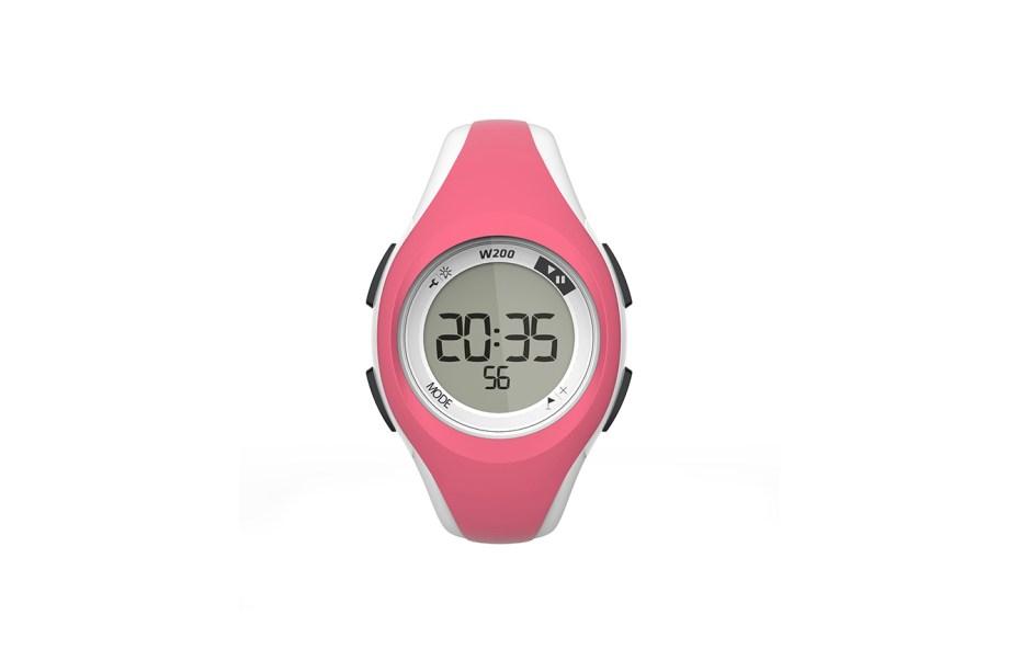 """Relógio digital esportivo W200 S, Decathlon, R$80 (<a href=""""http://www.decathlon.com.br"""">www.decathlon.com.br</a>)"""