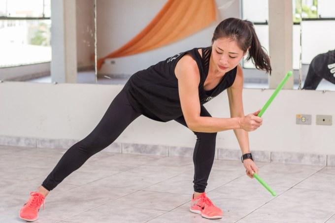 mulher-aula-pound-fitness