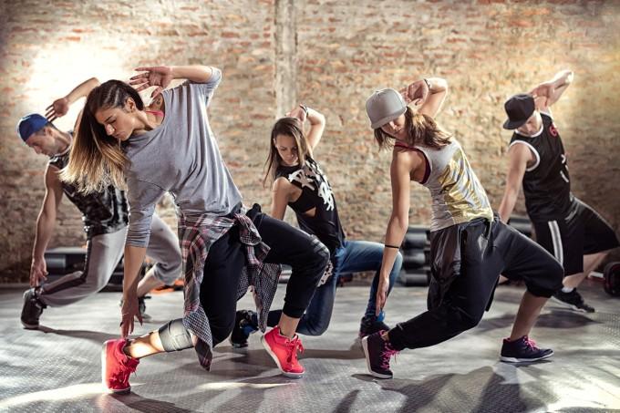 pessoas-aula-dança