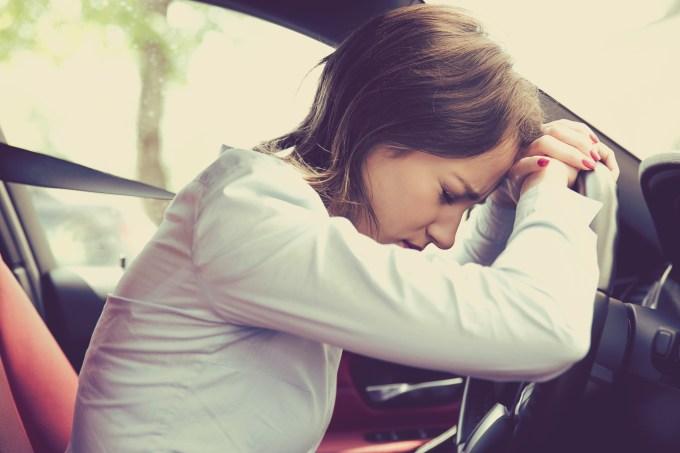 mulher-ansiosa-transito
