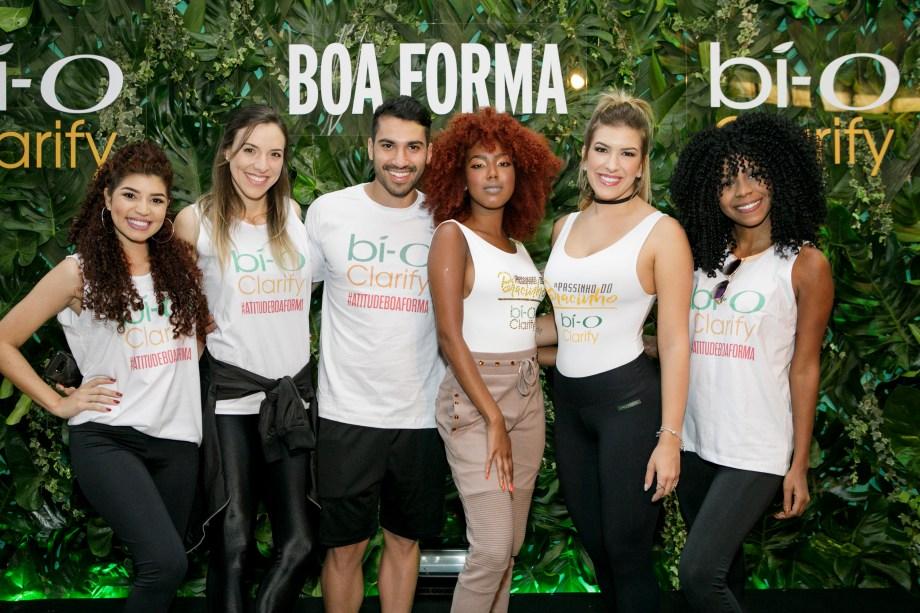 O time lindo e emporderado de Bí-O Clarify: Jessica Melo (@jessicamelooficial), Roberta e Rodrigo (@frangocombatatadoce), Lellêzinha (@lellezinha), Lorena Improta (@loreimprota) e Luane Dias (@luaneoficial).