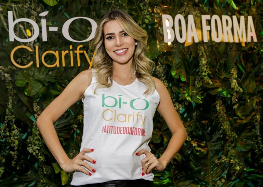 Gravidinha, a ex-BBB Adriana Sant'Anna também marcou presença.