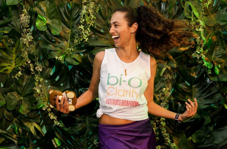 Superanimada, a modelo Nayana Rodriguez não via a hora de experimentar o lançamento de Garnier.