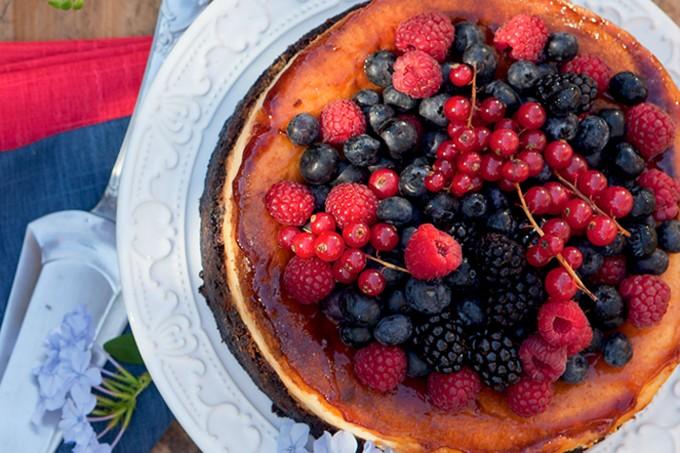bolo-cheesecake-frutas-vermelhas
