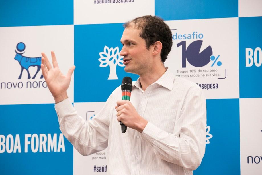 O doutor<span>Bruno Halpern abriu a discussão sobre o tema</span>