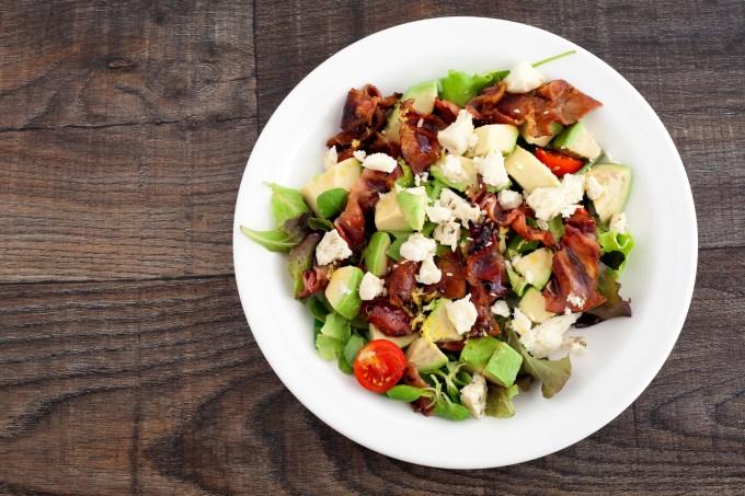 Salada com bacon