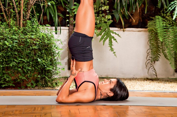 Invertida, ioga, camilla monteiro