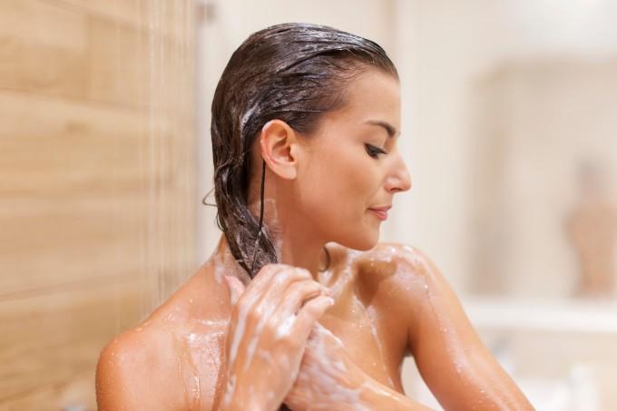 mulher-no-banho
