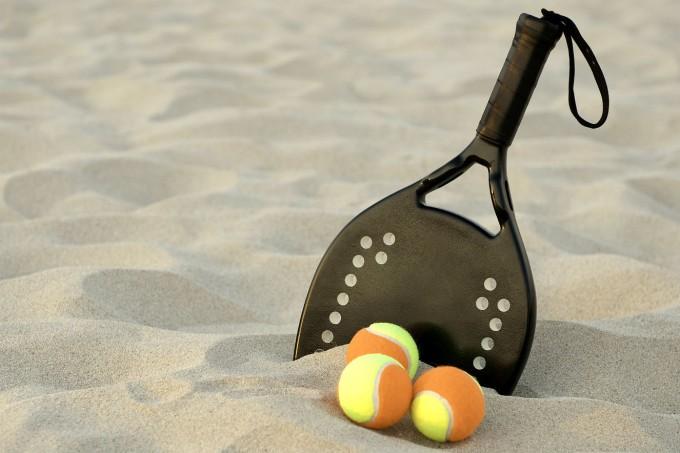 beach-tennis-raquete-praia
