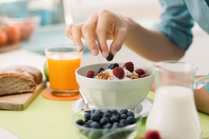 Opções de café da manhã que ajudam a eliminar gordura