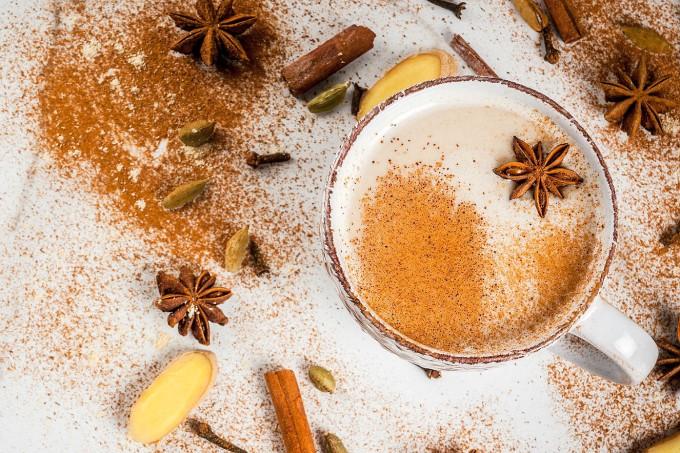 cafe-com-especiarias-masala