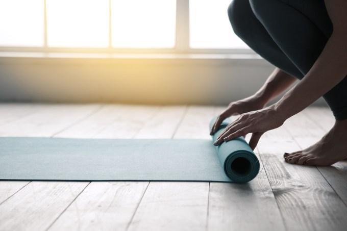 mulher-mat-ioga
