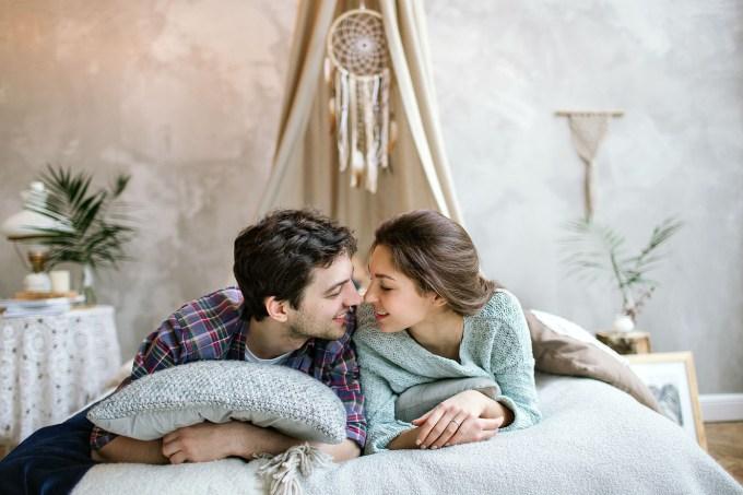 casal-no-quarto