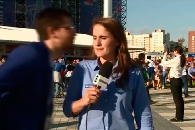 Júlia Rodrigues sofre assédio enquanto trabalha na Rússia