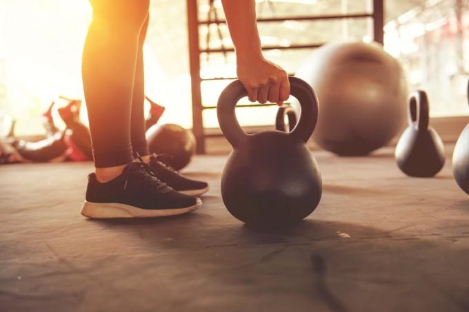 Treinar crossfit todo dia causa problemas para o corpo e a saúde