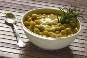 receita-sopa-lentilha-grao-de-bico_01 6 Receitas com lentilha para o final do ano