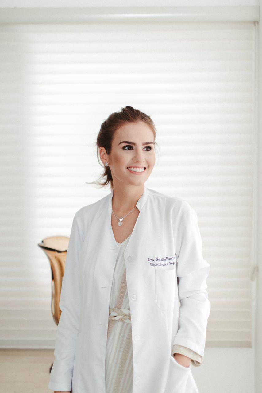 Dra. Natalia Ramos: médica ginecologista com especialização em reprodução Humana