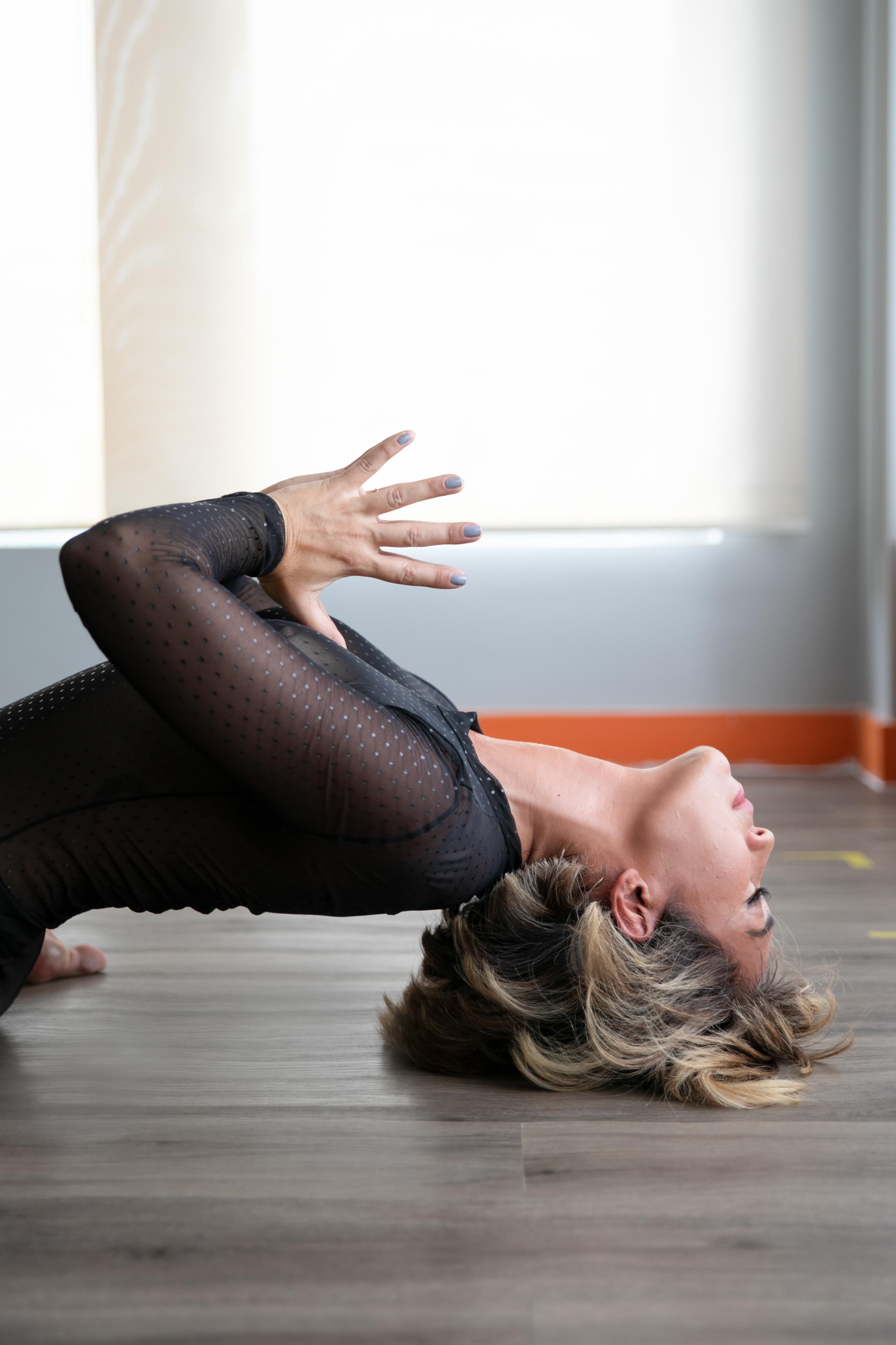 Movimento: yoga está entre suas práticas preferidas, ao lado do surfe