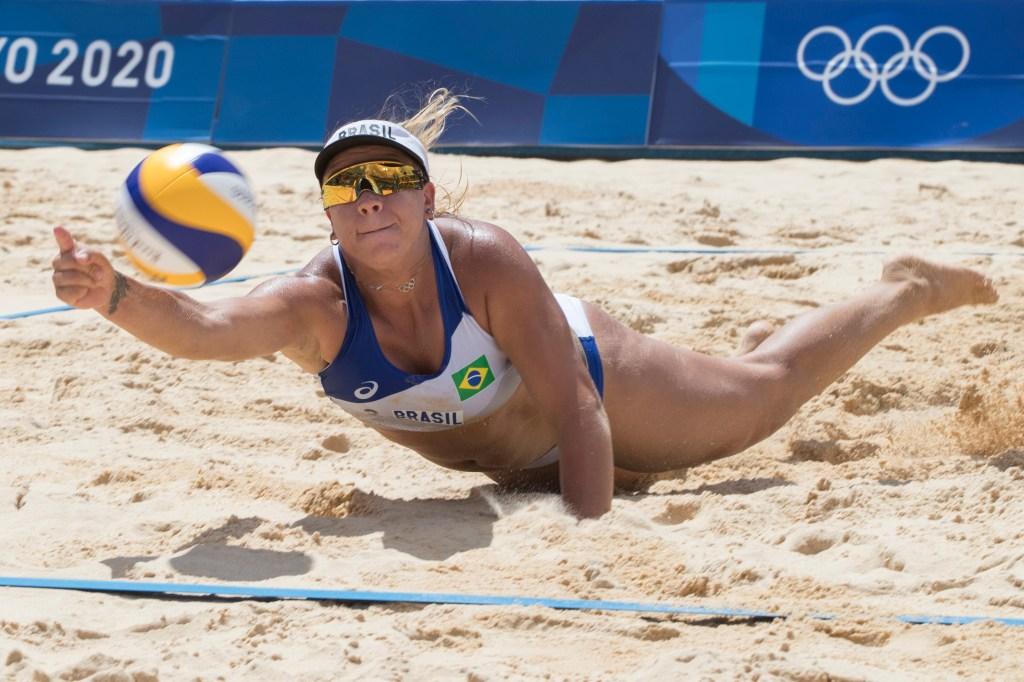 """telegram """"O meu corpo não me define"""", diz Rebecca, do vôlei de praia"""