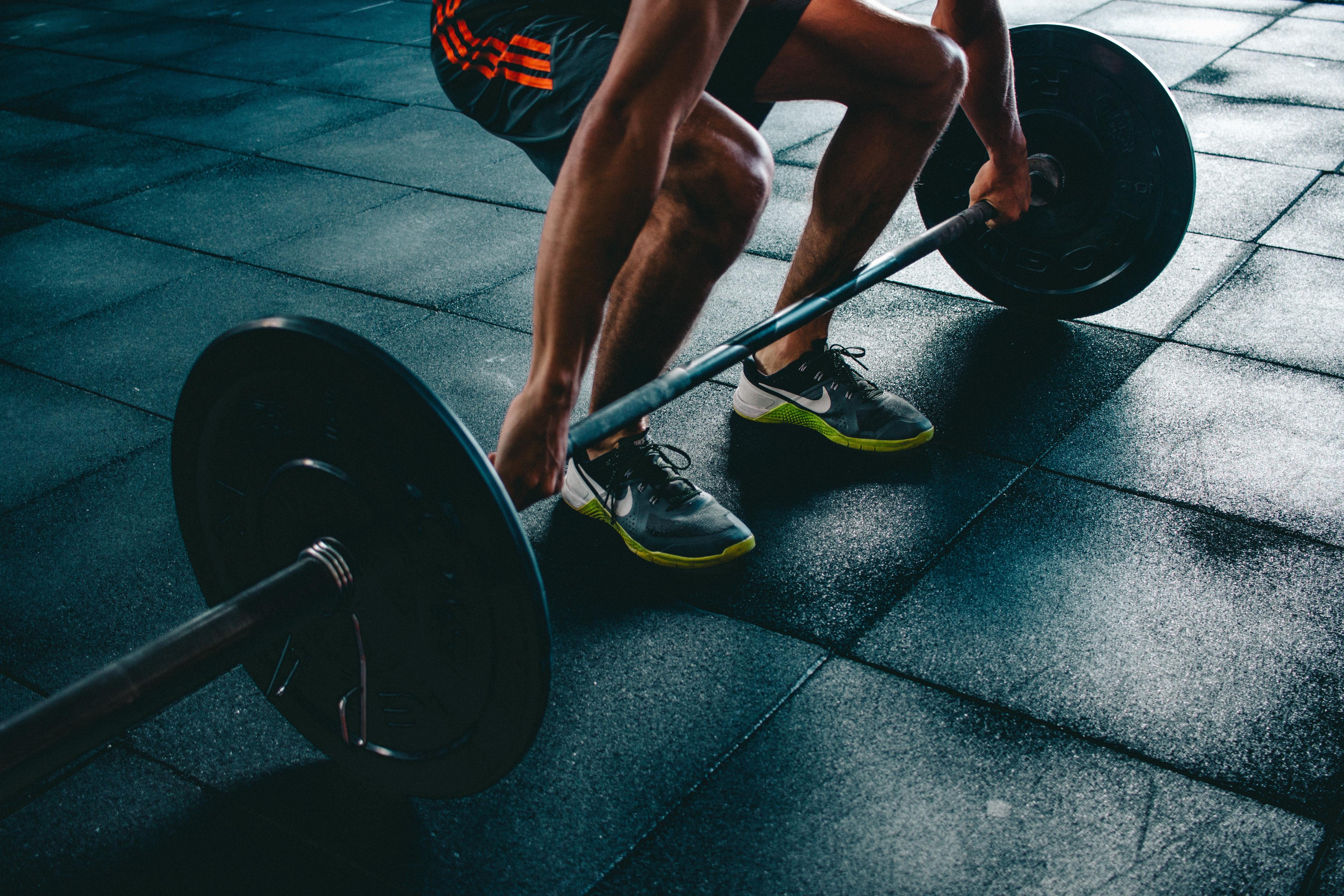 exercícios com barra olímpica