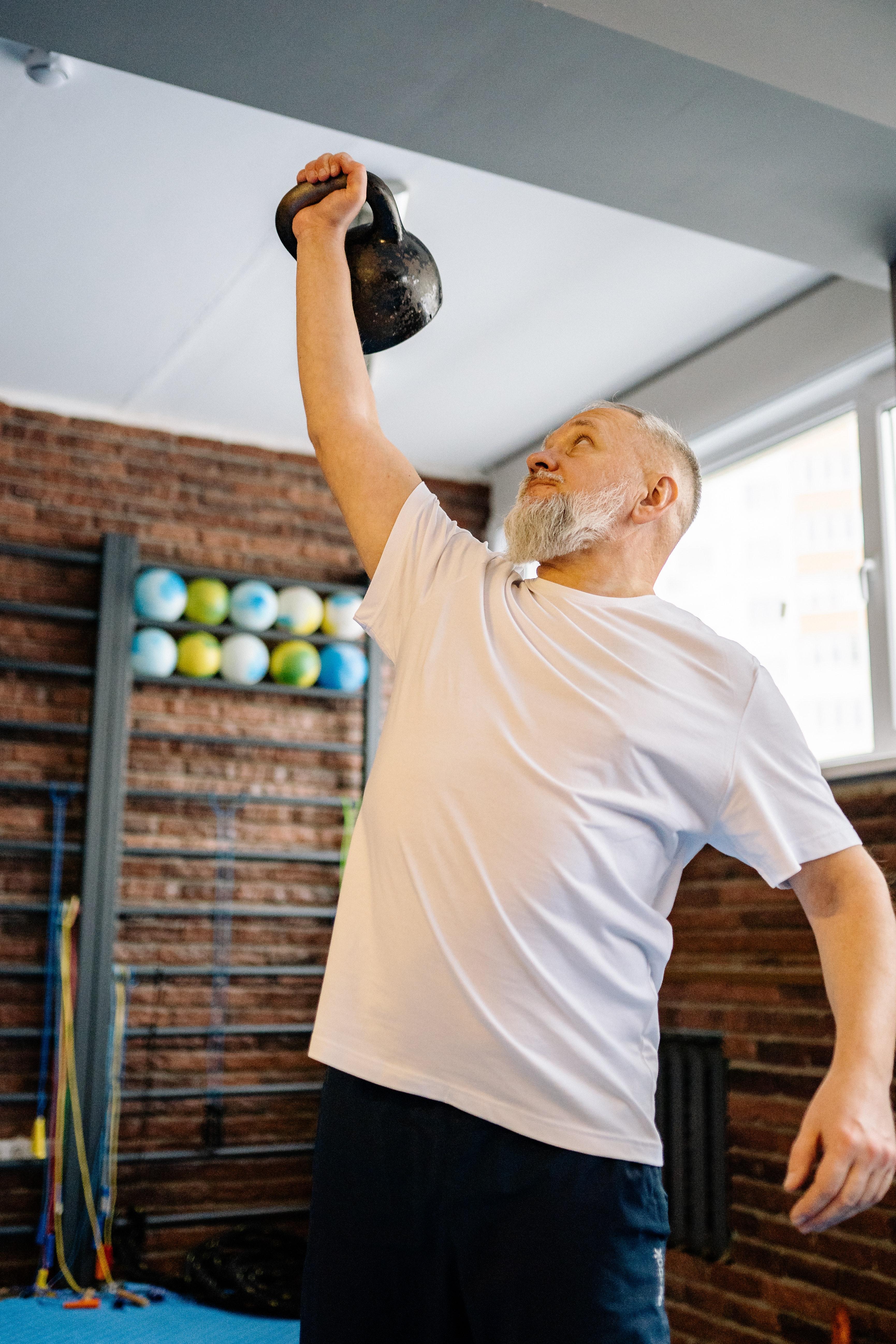 exercícios com o kettlebell