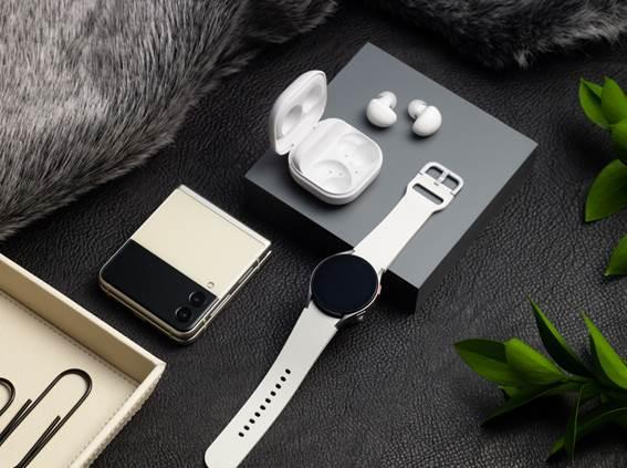 Lançamento do Galaxy Z Flip3: a Boa Forma testou ainda o relógio e os fones sem fio durante a atividade física